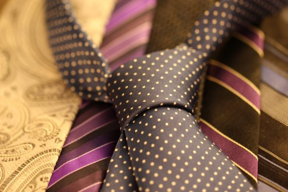 Why use a tie bar or tie clip?
