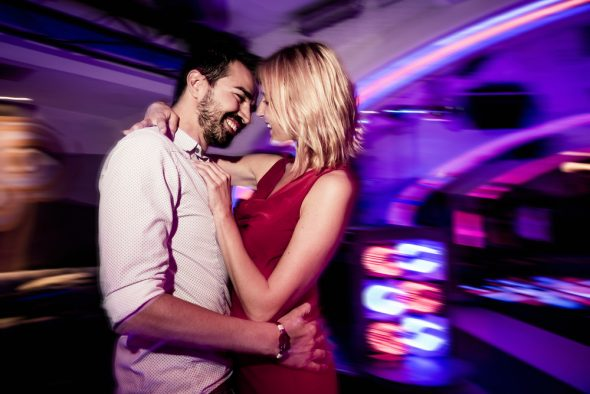 How to Tell If a Girl is Interested in You [In a Bar]